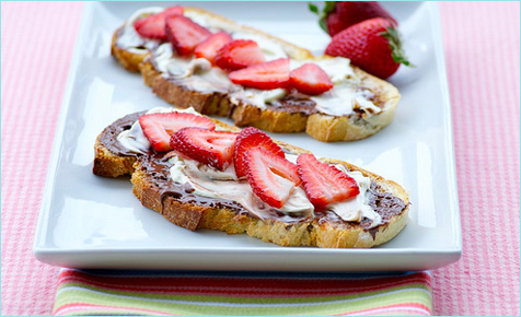 Strawberry, nutella and marscapone toast