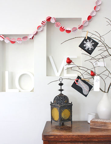 Christmas paper bauble garland