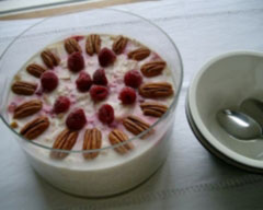 Bircher muesli with raspberry and pecans