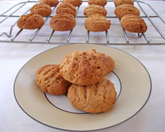 Apple and spice biscuits
