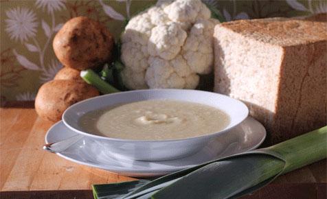 Cauliflower and leek soup