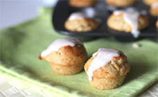 Mini banana muffins with yoghurt topping