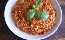 Paprika and tomato pilaf