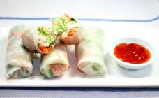 Thai chicken rice paper rolls