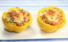 Tuna melt stuffed capsicums