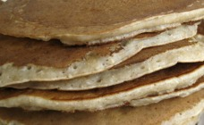 Banana smoothie pancakes with chia gel