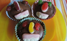 Happy faces cupcakes