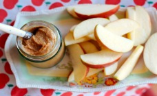 Raw caramel dip for apples and pears