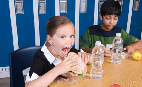 Pack a nutrition punch in the healthy school lunch