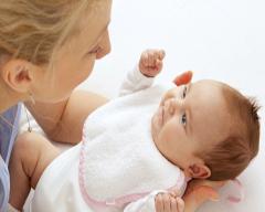 Baby tetthing