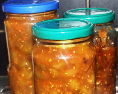 Green tomato and chili chutney