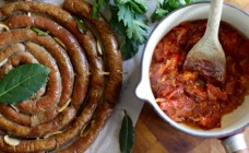Sausage wheel with easy chutney