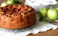 Apple and buttermilk cake