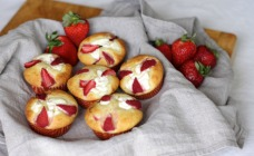 Strawberry and ricotta muffins