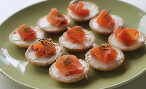 smoked-salmon-bitescrop