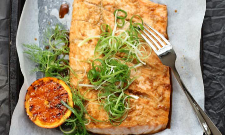 Baked salmon with orange and ginger